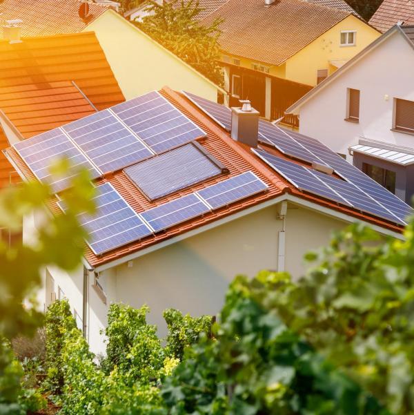 Aurinkovoima kotiin aurinkoenergia aurinkosähkö